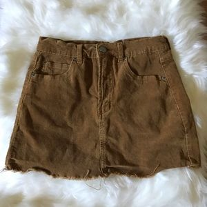 BRANDY MELVILLE BROWN MINI SKIRT